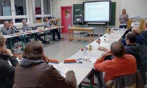 Die Teilnehmer am Tischler-Informationsabend