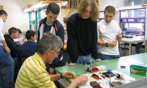 Schüler bei der Projektarbeit